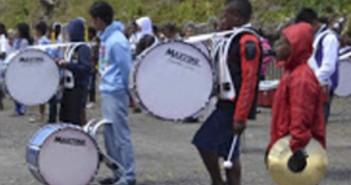 Drumband-untuk-memeriahkan-HUT-RI-68