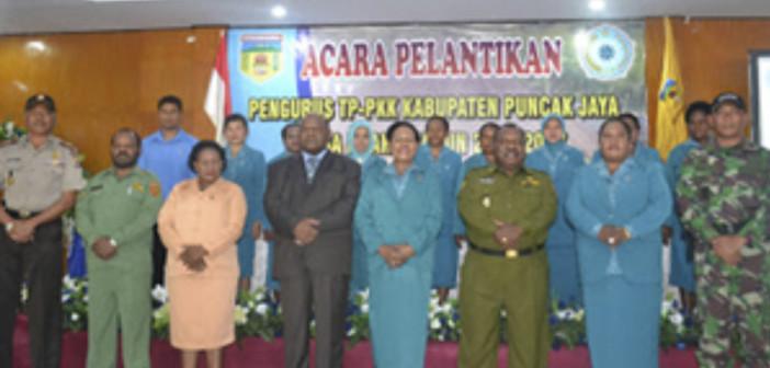 Pelantikan-Pengurus-PKK-Kabupaten-Puncak-Jaya
