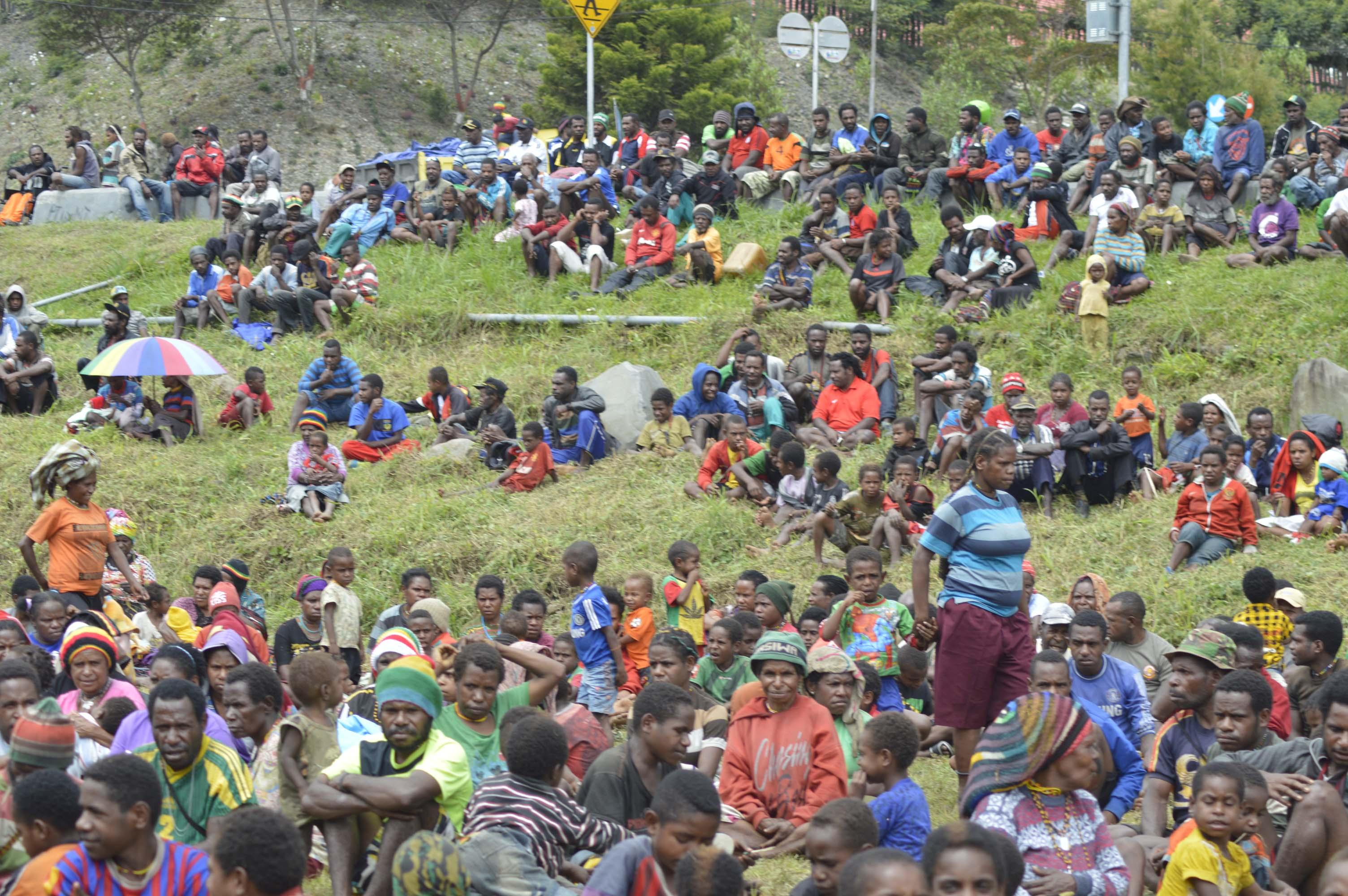 masyarakat yang hadir dalam syukuran bvakar batu (2)