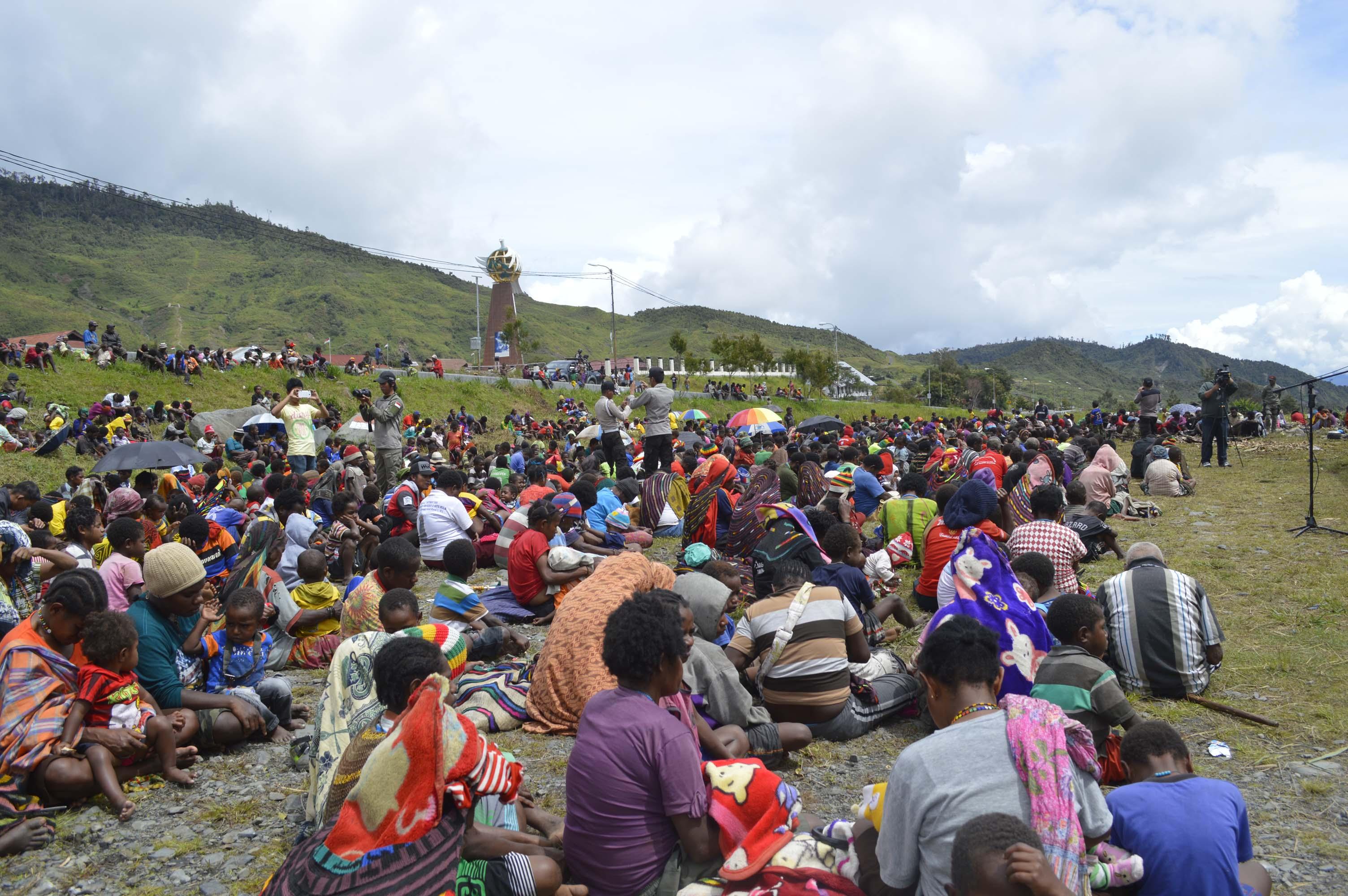 masyarakat yang hadir dalam syukuran bvakar batu