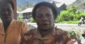 Posyandu-Ketua-DWP-Kab-Puncak-jaya-Ibu-Ursula-Wonda-S.Km-saat-di-Wawancara