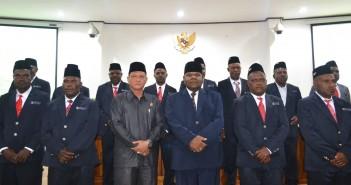 Foto Bersama Anggota DPRD Baru