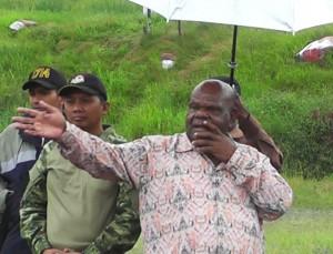Sambutan Bupati Puncak Jaya Drs. Henok Ibo saat Acara Bakar Batu Hasil Panen Bumi
