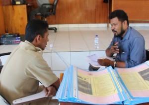 [PROGRAM PASCA SARJANA] salah satu penguji tengah melakukan test wawancara kepada salah satu calon mahasiswa
