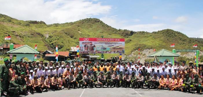 Muspida Puncak Jaya bersama Peserta Upacara HUT TNI ke 72
