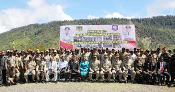 Muspida Kabupaten Puncak Jaya bersama Pejabat Eselon II, III dan Anggota Satpol PP Puncak Jaya