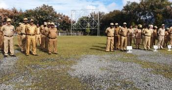 Apel gabungan di lingkungan pemerintah Kab. Puncak Jaya, bertempat di hal. Kantor Bupati.