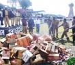 Proses pemusnahan Barang Kadaluarsa yang pimpin di lapangan alun - alun kota Baru (2810).