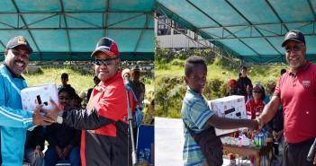 Pemberian Hadiah saat Perayaan HUT KORPRI ke 48 Tahun