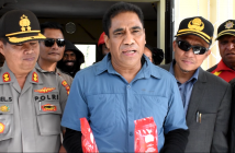 Sekda Papua Hery Dosinaen saat memberikan pernyataan Kopi Mulia Sebagai Sponsor Resmi PON ke XX Tahun 2020