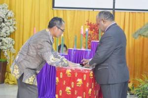Peluncuran Pelayanan Dukcapil Go Mobile, dimana dilakukan uji Teleconference antara Bupati dan Masyarakat Distrik Ilu