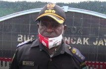 Tibenus Enumbi Kepala Dusun Mulia