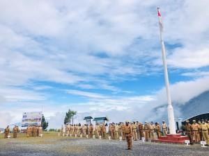 Suasana Apel Gabungan dilingkungan Pemda Puncak Jaya