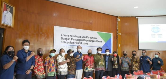 Wabup bersama Kepala Cabang BPJS Jayapura serta Pejabat Eselon II dan TIM dari BPJS