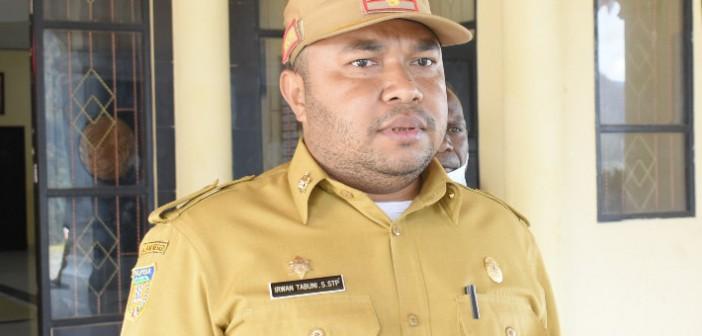 Kepala Dinas Pemberdayaan Masyarakat Kampung saat ditemui Media